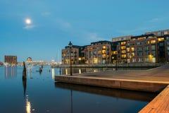 Wohngebäude im inneren Hafen-Bereich in Baltimore, Maryl stockbild