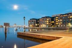 Wohngebäude im inneren Hafen-Bereich in Baltimore, Maryl stockbilder