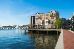 Wohngebäude im inneren Hafen-Bereich in Baltimore, Maryland lizenzfreie stockfotografie