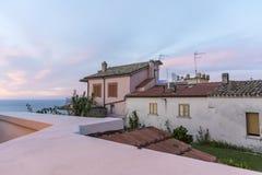 Wohngebäude und adriatisches Meer Silvi Paese Lizenzfreie Stockfotos