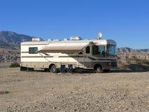 Wohnmobil in der Wüste Lizenzfreie Stockfotos