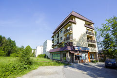 Wohnsiedlung an der Straße von Piasecki in Zakopane Lizenzfreie Stockfotografie