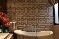 Wohnung der Designentwurf des Badezimmers ist von der Kunst voll Stockfoto