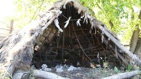 Wohnung des Steins oder des Bronzezeitalters stock video footage