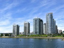 Wohnungen auf dem Wasser Lizenzfreies Stockfoto