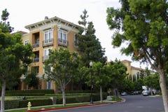 Wohnungen und Laterne Lizenzfreies Stockfoto