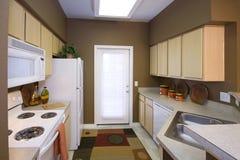 Wohnungs-Küche Stockfotos