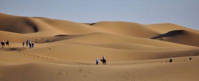 Wohnwagen in der Sahara-Wüste April 16.2012 Stockfotografie