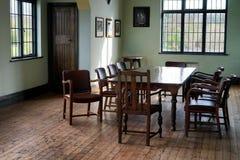 Wohnzimmer der alten Art lizenzfreie stockfotos