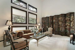 Wohnzimmer im Luxuxhaus Lizenzfreies Stockfoto