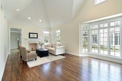 Wohnzimmer mit Abbildungfenster Lizenzfreies Stockbild