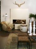 Wohnzimmer mit Angemessenplatz Stockbilder
