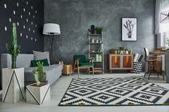 Wohnzimmer mit Anlagen Lizenzfreie Stockbilder