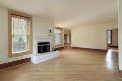 Wohnzimmer in umgestaltetem Haus Lizenzfreie Stockfotos
