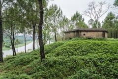 Wojenny pomnik przy pachnidła Huong rzeką w odcieniu, Wietnam zdjęcia royalty free