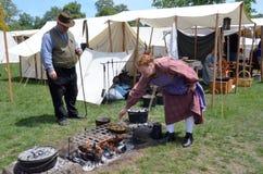 Wojny ery reenactor kucharstwo Zdjęcie Royalty Free