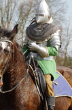 Wojownik na horseback średniowiecznym opancerzeniu 3 Fotografia Royalty Free