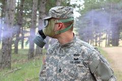 Wojsko żołnierz w apokaliptycznej sytuacji obraz stock