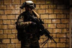 wojsko USA leśniczy z z karabinu maszynowego zdjęcie stock