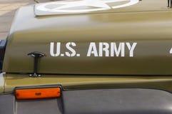 wojsko USA obsdza personelem samochód Zdjęcia Stock