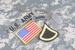 WOJSKO USA snajperska insygnia na kamuflażu mundurze Obrazy Royalty Free