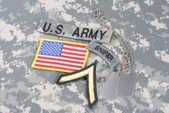 WOJSKO USA snajperska insygnia na kamuflażu mundurze Fotografia Royalty Free