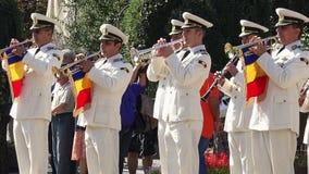 Wojsko zespołu muzyczny spełnianie przy paradą zbiory wideo