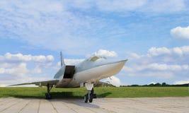 Wojskowego dżetowy naddźwiękowy samolot fotografia royalty free