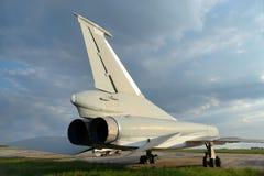 Wojskowego dżetowy naddźwiękowy samolot zdjęcia stock