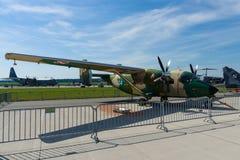 Wojskowego samolotu PZL M28B Bryza przewieziony rozwój budujący Antonov An-28 Zdjęcia Stock