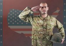 Wojskowy salutuje przeciw flaga amerykańskiej Fotografia Royalty Free