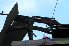 Wojskowy Strzela Wspina się na pojazdzie Zdjęcia Stock