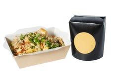 Wok ryż blisko fasta food pudełka obrazy stock