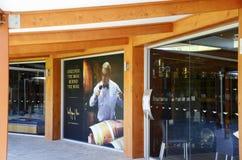Wolf Blass Estate Winery Barossa Valley, besökaremitt Fotografering för Bildbyråer