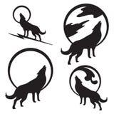 Wolf Howling bij Volle maan Stock Afbeelding