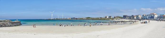 Woljeongri海滩和咖啡馆街道 免版税库存图片
