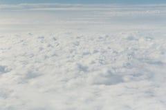Wolk in de blauwe hemel Stock Afbeelding
