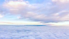 Wolk in de hemel van vliegtuig Royalty-vrije Stock Foto