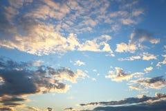 wolk in de ochtend op blauwe hemel Stock Fotografie