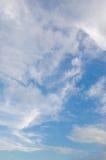 Wolk en blauwe hemel Stock Afbeelding