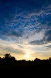 Wolk en blauwe hemel Silhouet Stock Foto