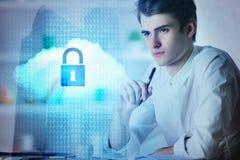 Wolk gegevensverwerking en veiligheidsconcept stock foto