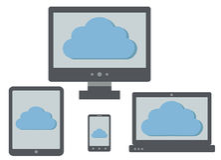 Wolk gegevensverwerkingspictogram op de schermen van personal computer, laptop, Ta Stock Afbeeldingen
