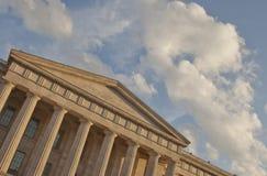 Wolk-gevulde Hemel boven National Portrait Gallery royalty-vrije stock fotografie