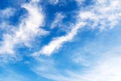 Wolk op de blauwe hemel Stock Afbeelding