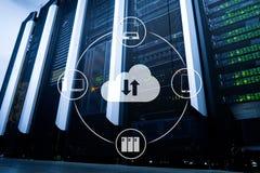 Wolk server en gegevensverwerking, gegevensopslag en verwerking Internet en technologieconcept royalty-vrije stock fotografie