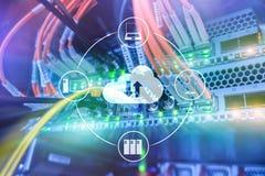 Wolk server en gegevensverwerking, gegevensopslag en verwerking Internet en technologieconcept stock foto's