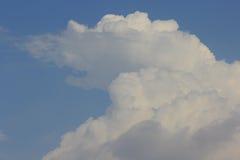 Wolke im Himmel Stockbild