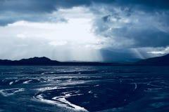 Wolke 9 mit Fluss stockbild