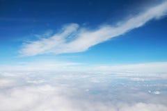Wolke und blauer Himmel stockbild